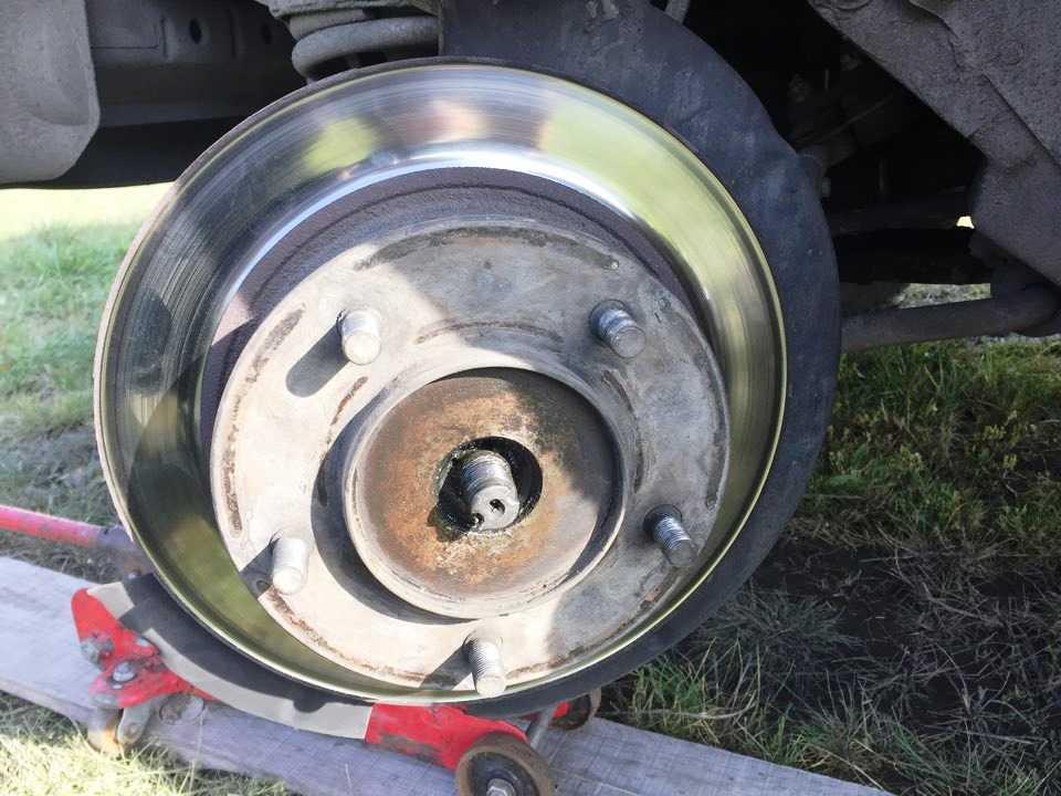 нива шевроле замена передних тормозных дисков