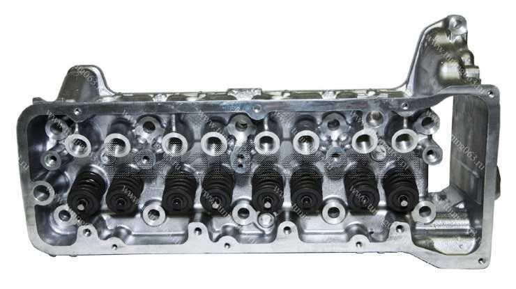 головка блока цилиндров двигателя ВАЗ 2123