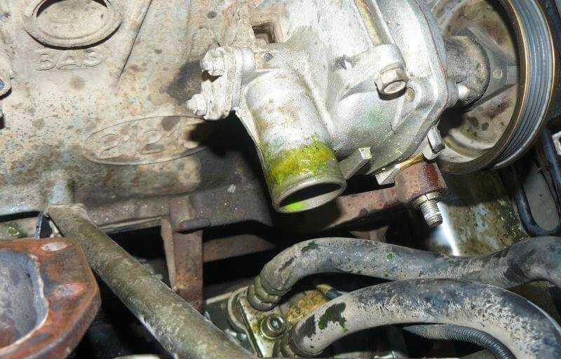 слить все жидкости при капремонте двигателя нивы шевроле
