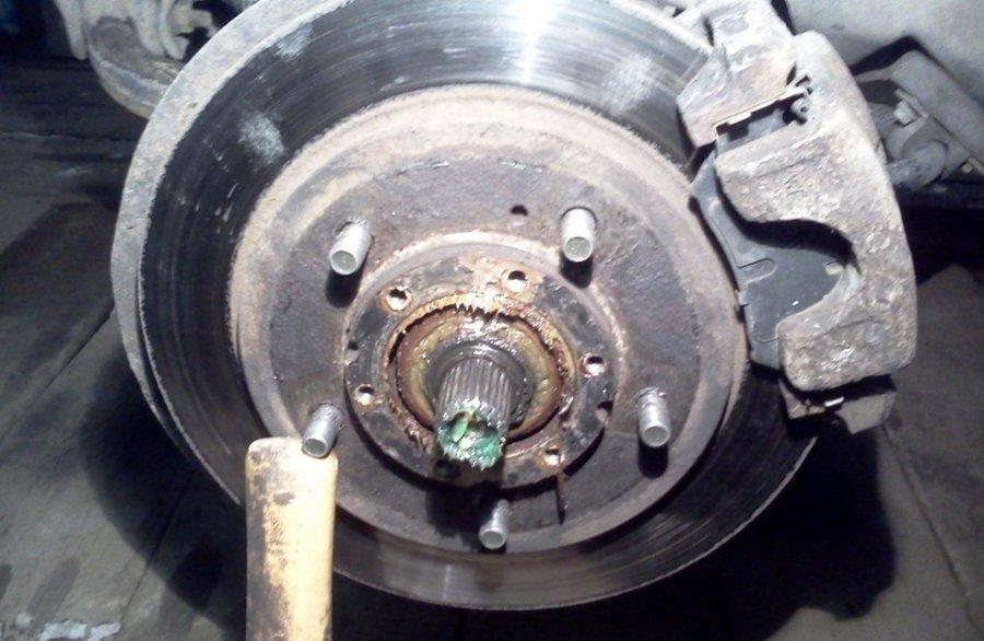 ступица на подшипнике на Ниве шевроле