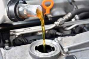 Какое масло заливать в Ниву?