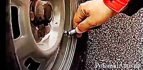 Поставил зимнюю резину появился гул на скорости при движении: почему шумит